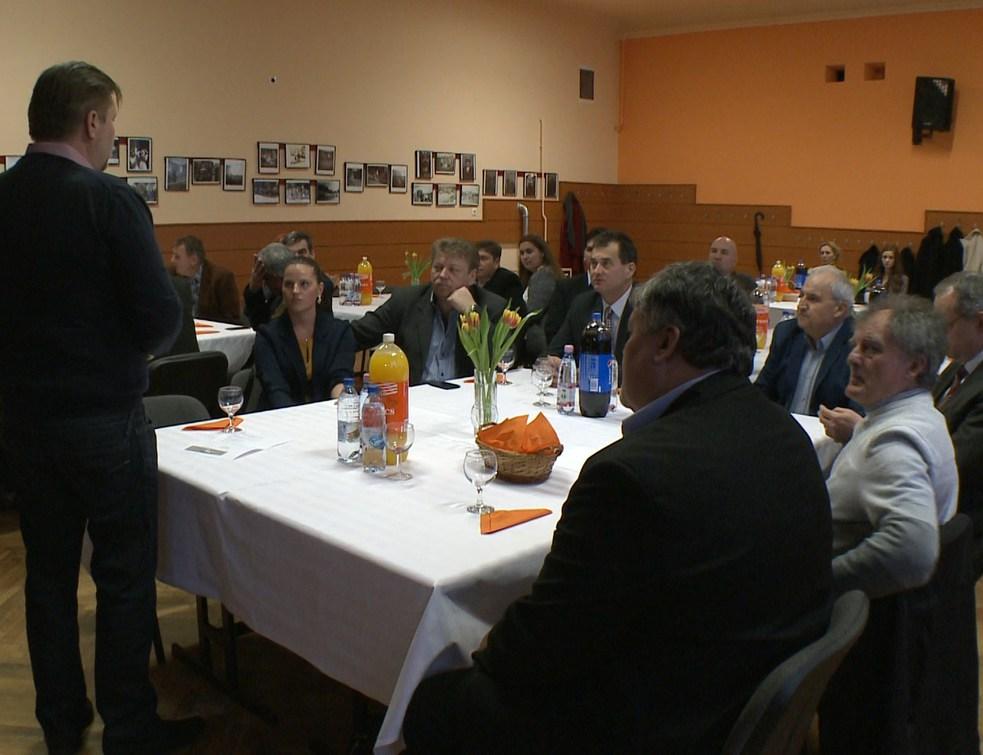 A jogi határzár volt a téma a FIDESZ választmányi ülésén