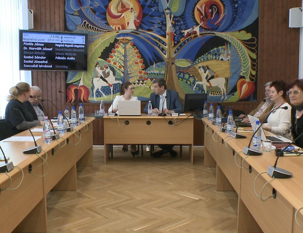 Főként beszámolók szerepeltek az áprilisi testületi ülésen