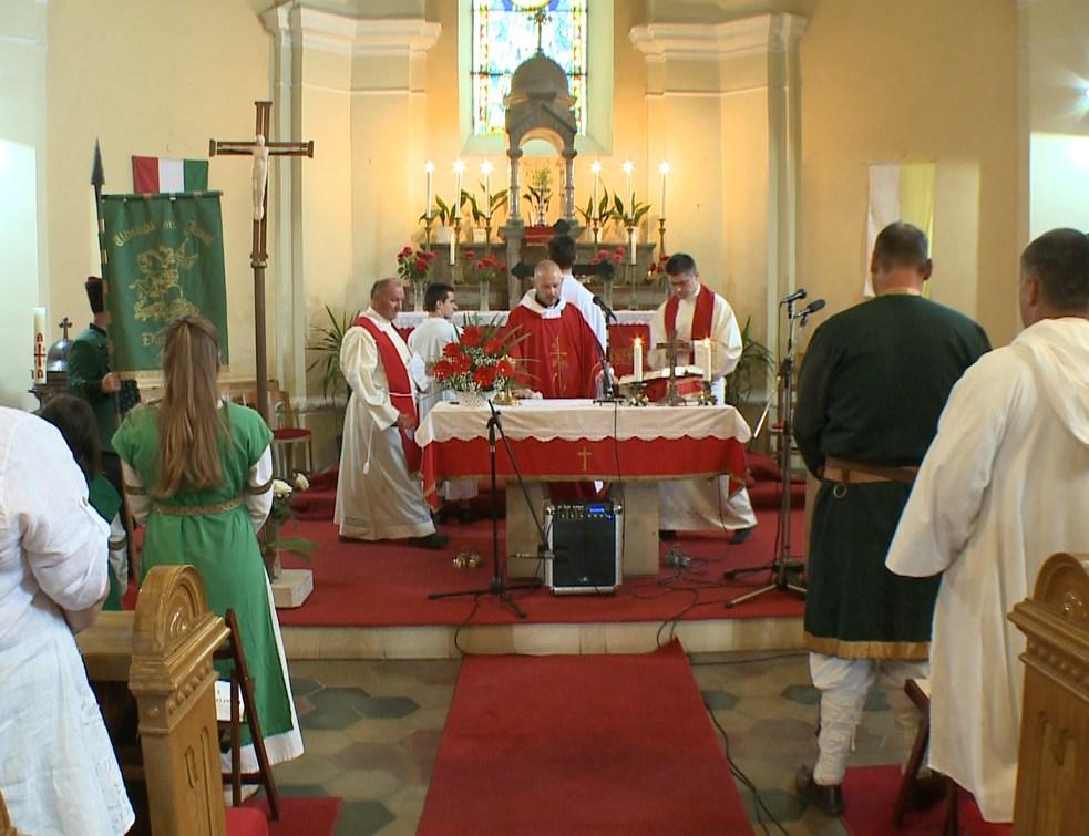 Ünnepi szentmise a Szentlélek Templomban
