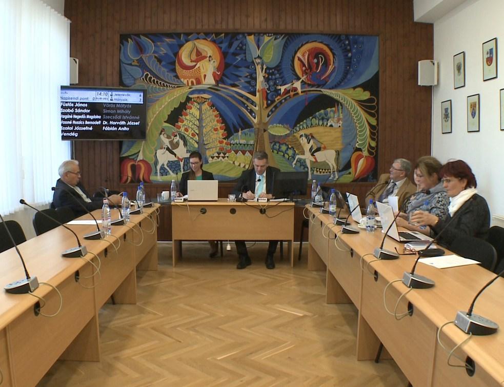 Több, mint tíz előterjesztést tárgyalt a képviselő-testület