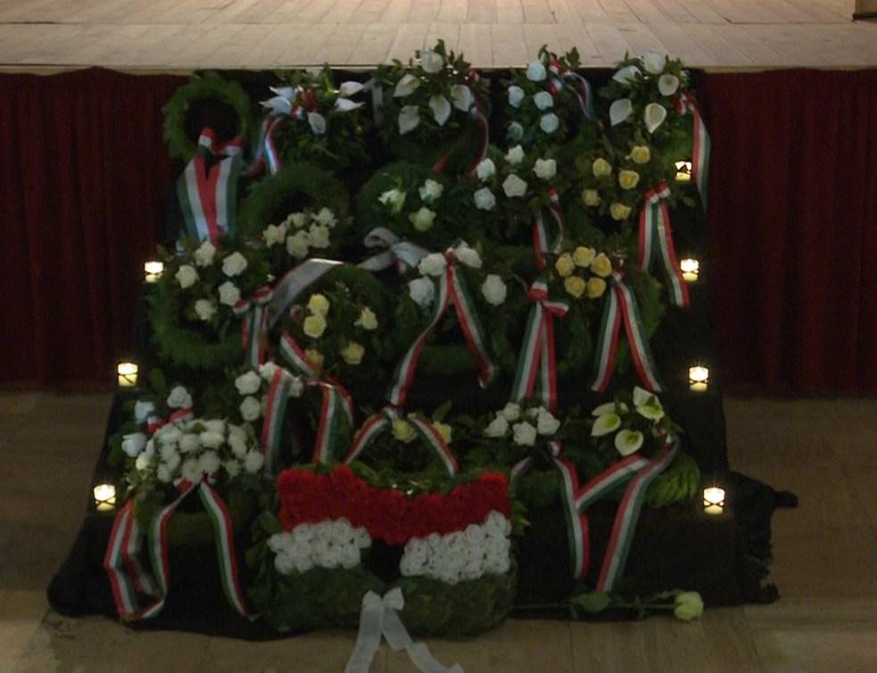 Emlékezés és tisztelgés a városi ünnepségen