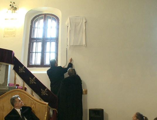 Emléktábla avatással egybekötött ünnepi istentisztelet Alsokban