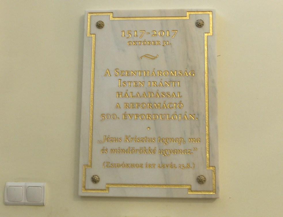 Emléktáblát avattak a református gimnáziumban