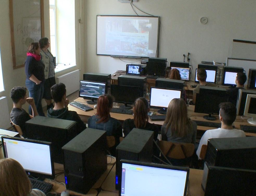 Közös természettudományos óra a horvát partneriskolával