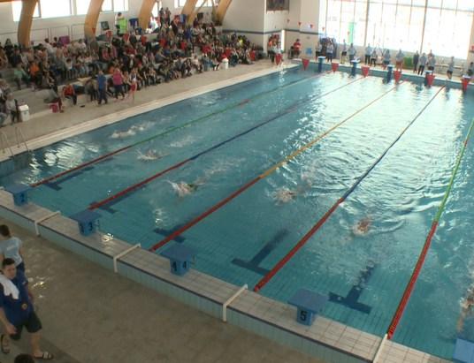 Először rendeztek úszóversenyt az új uszodában