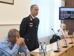 12 előterjesztést tárgyaltak az áprilisi ülésen