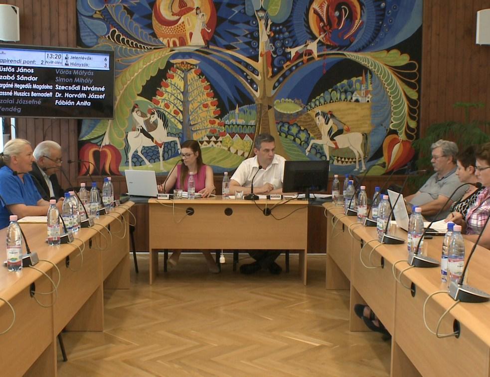 16 előterjesztés a májusi ülésen