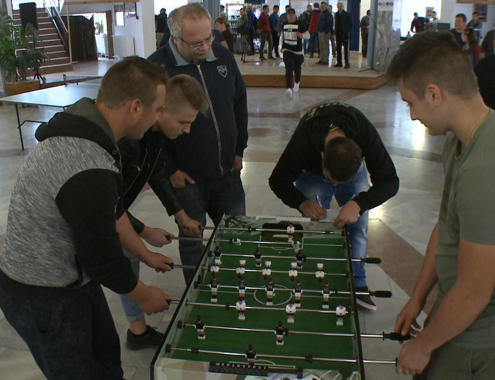 Határon átnyúló sportnap a Nagyváthy Középiskolában