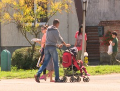 Július 1-jétől kibővült a családtámogatási program