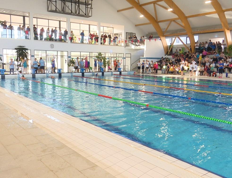 16 csapat az országos ranglistás úszóversenyen