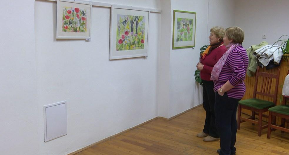 Zsombori Erzsébet selyemfestmény kiállítása nyílt meg