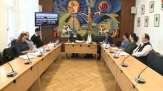 Hat előterjesztést tárgyalt a képviselő-testület