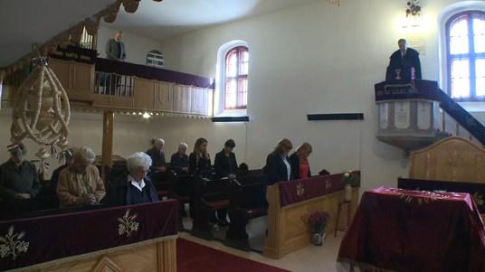 Megnyitották a templomok kapuit