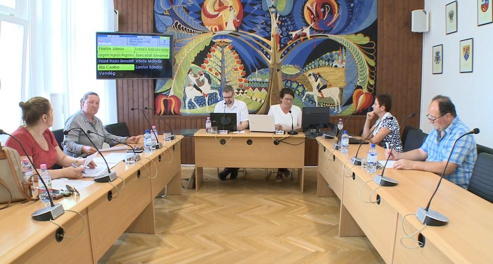 Költségvetési rendeletek, beszámolók a testületi ülésen