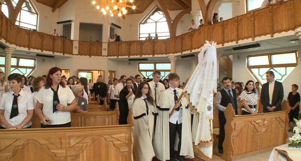 Idén is ünnepélyes keretek között került megnyitásra az új tanév a református iskolában