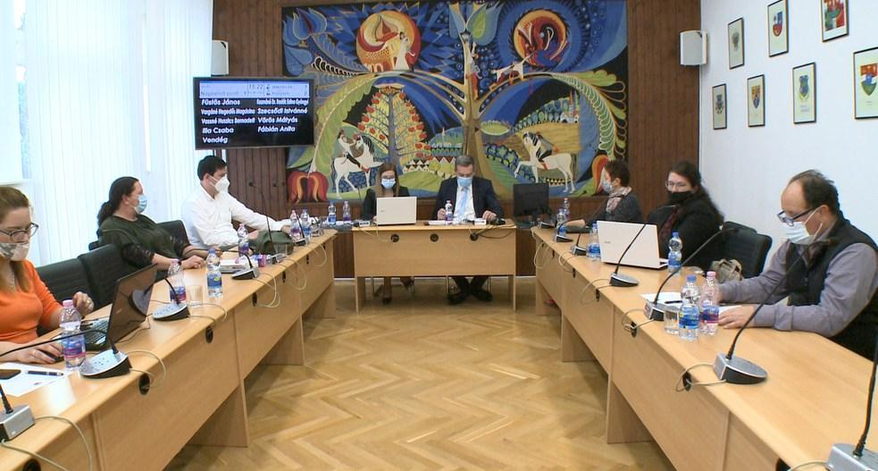 14 napirendi pont az októberi ülésen