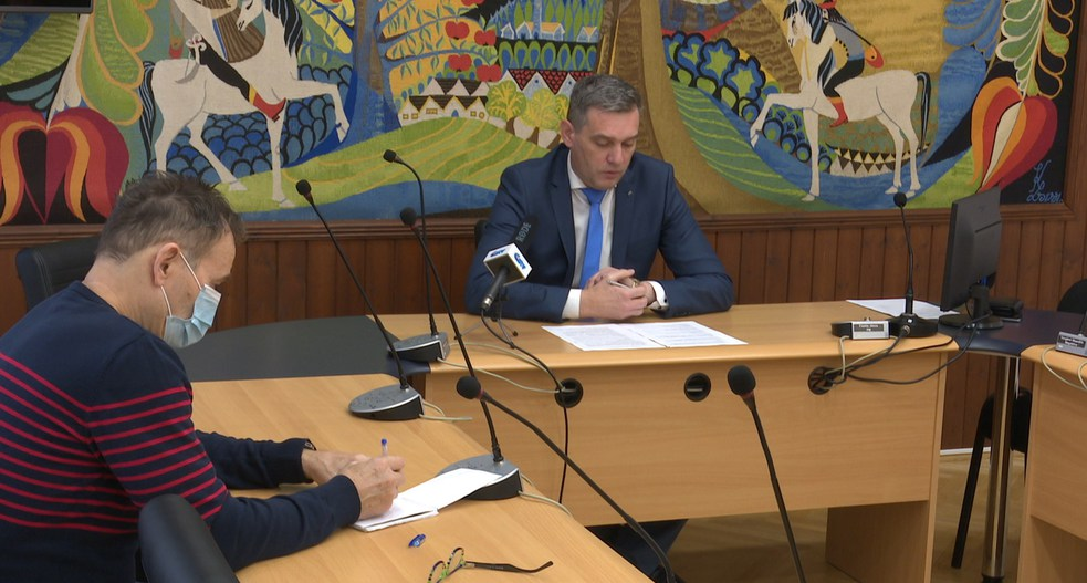 Sajtótájékoztatót tartott Füstös János polgármester