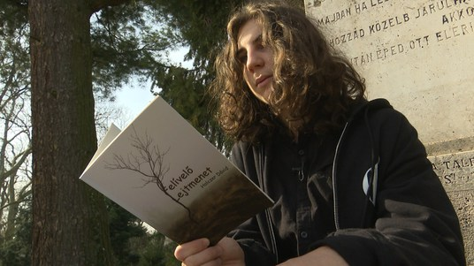 Megjelent Holczer Dávid első verseskötete