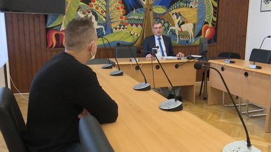 Polgármesteri sajtótájékoztató a hétfőtől indult szigorításokról