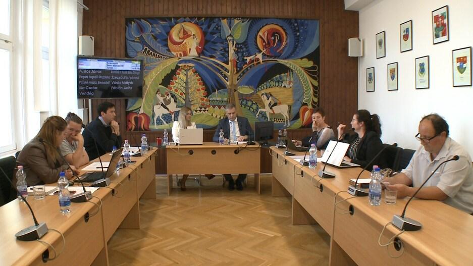 Kilenc előterjesztés a szeptemberi testületi ülésen